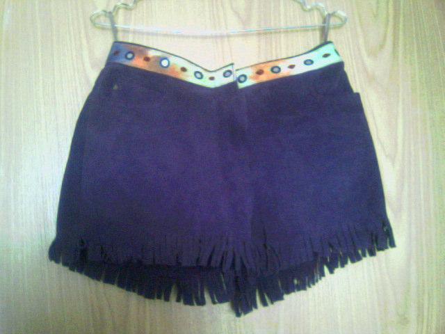 Новые замшевые шорты с бахромой,сзади с карманами,фирма Polo,размер...